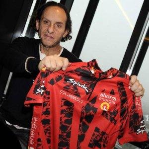Custo Dalmau con la camiseta de La Vuelta Ciclista a España 2010